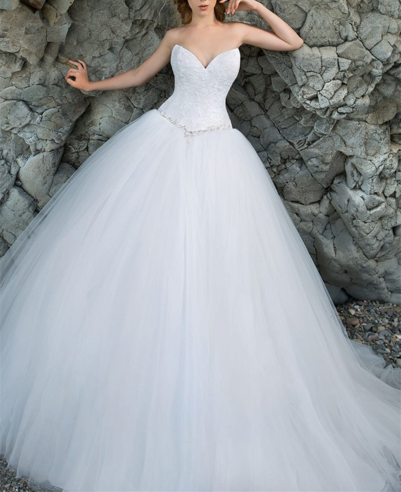 Lace Sweetheart Floor Length Tulle Wedding Gown Featuring Beaded ...